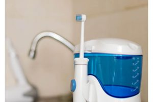 Waterpik WP-560 Portable Rechargeable Water Flosser Review